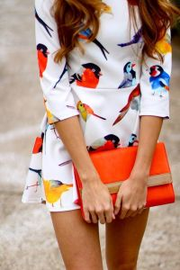 street-style-summer-pop-of-color-bird-print-dress-@wachabuy
