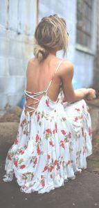 street-style-summer-white-flower-print-dress-@wachabuy