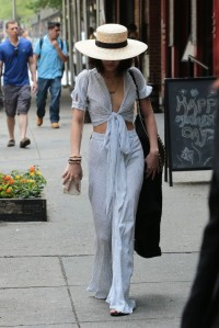 vanessa-hudgens-style-outside-her-hotel-in-nyc-may-2015_3-620x928